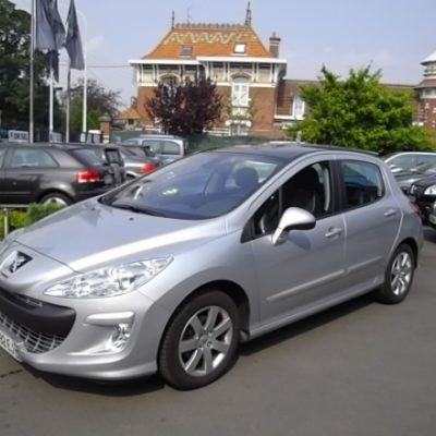 Peugeot 308 d'occasion (03/2009) disponible à Villeneuve d'Ascq