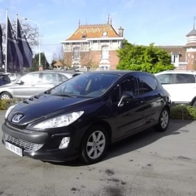 Peugeot 308 d'occasion (04/2011) disponible à Villeneuve d'Ascq