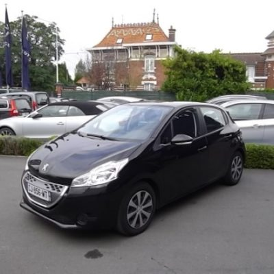 Peugeot 208 d'occasion (08/2012) disponible à Villeneuve d'Ascq